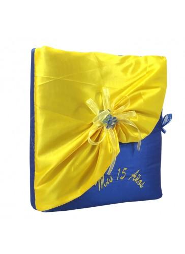 Quinceanera Photo Album Guest Book Kneeling Tiara Pillows Bible Q3149